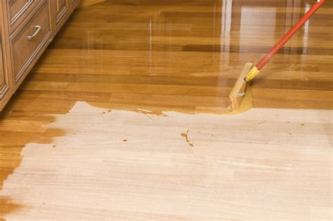 How To Sand And Varnish Wood Floors