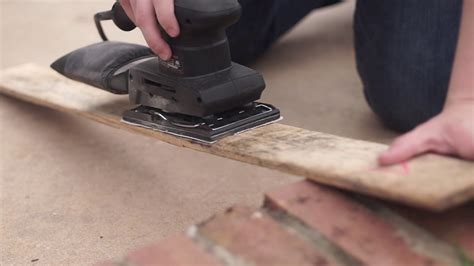 How To Sand Pallet Wood By Hand