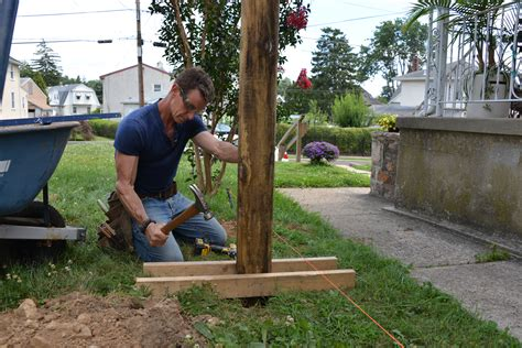 How To Set Fence Posts In Straight Line