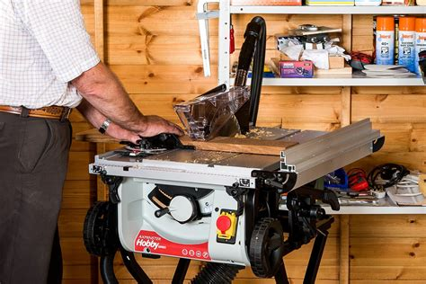 How To Set Up A Table Saw Work Station