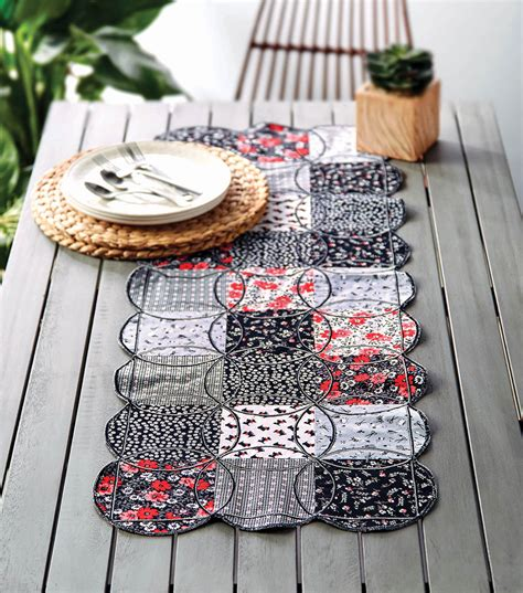 How To Sew A Circle Table Runner
