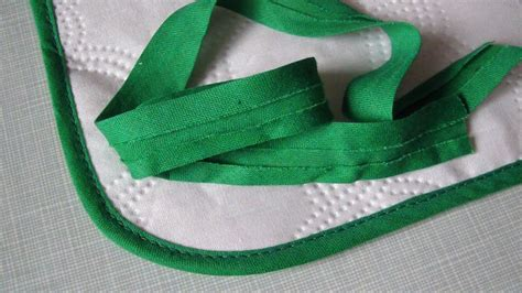 How To Sew Around Curved Edges