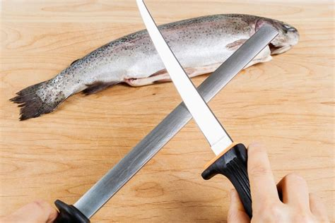 How To Sharpen A Fillet Knife With A Stick