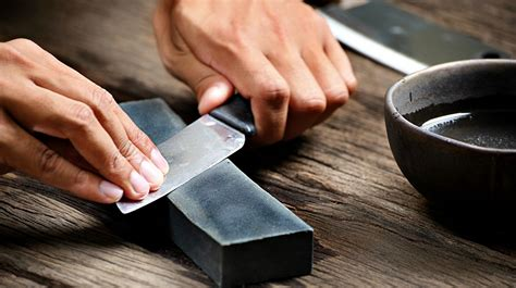 How To Sharpen A Fillet Knlfe On A Whetstone