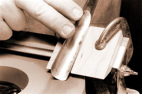 How To Sharpen A Gouge On Whetstone