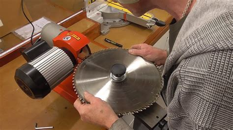 How To Sharpen A Saw Blade Youtube