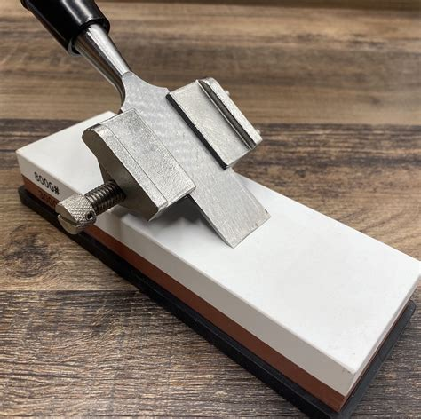 How To Sharpen A Wood Chisel With A Stone