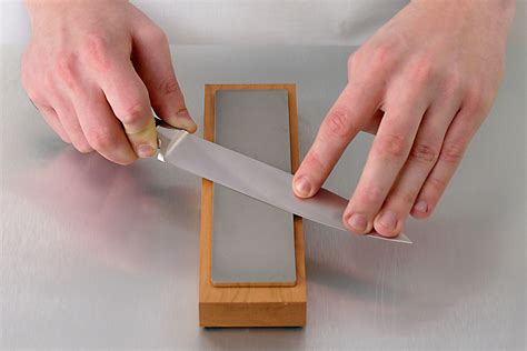 How To Sharpen Knife With A Whetstone
