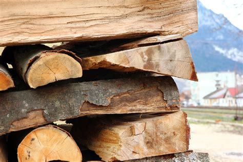 How To Stack Wood In Your Fireplace