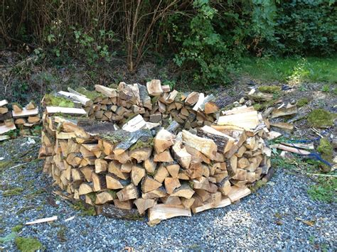How To Stack Wood To Dry Faster