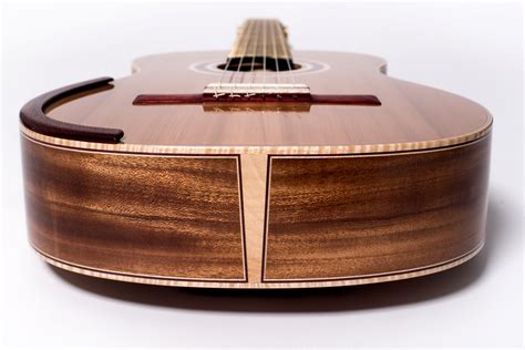 How To Stain A Guitar With Binding