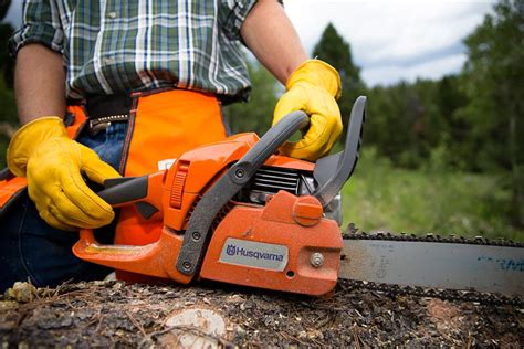 How To Start A Husqvarna 445 Chainsaw