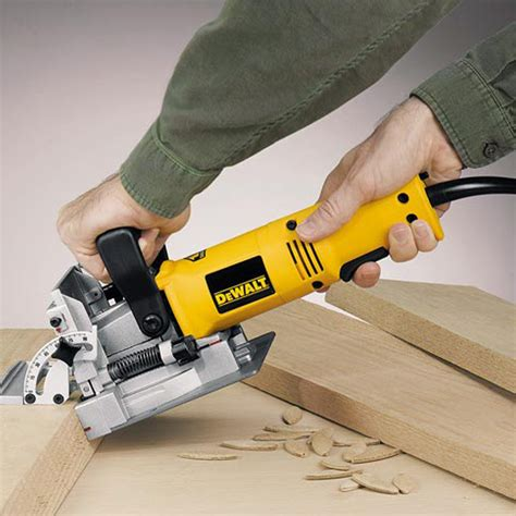 How To Use A Biscuit Joiner From Dewalt