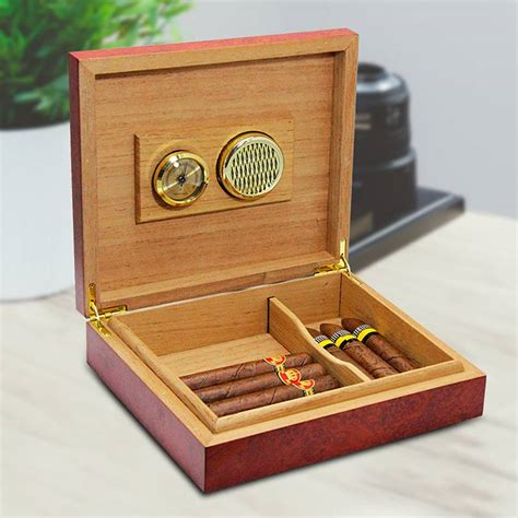 How To Use A Cigar Humidor Boxes