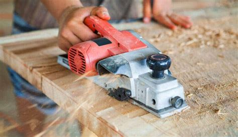 How To Use A Hand Planer On A Table Top