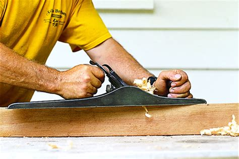 How To Use A Hand Planer On Wood