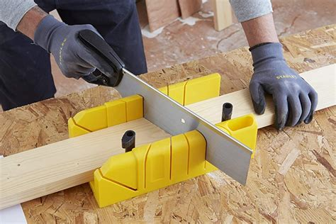 How To Use A Miter Box For 6 Inch Baseboards