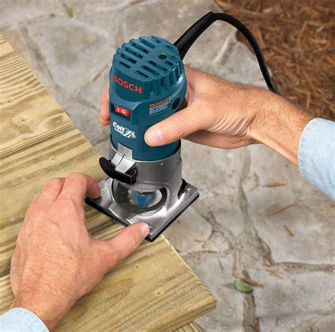 How To Use A Palm Router Tool