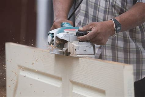 How To Use A Power Planer On A Door