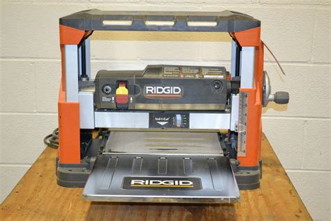 How To Use A Ridgid Thickness Planer