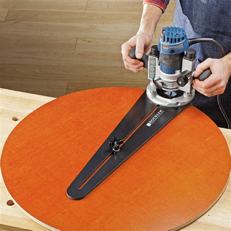 How To Use A Router Circle Jig