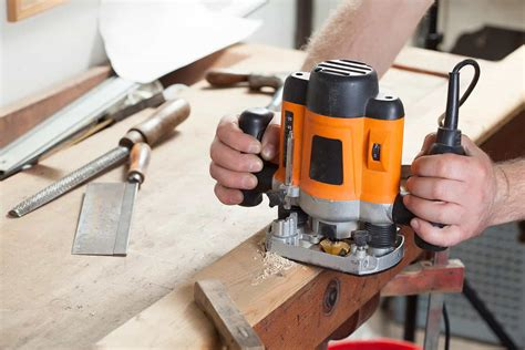 How To Use A Router Tool On Wood