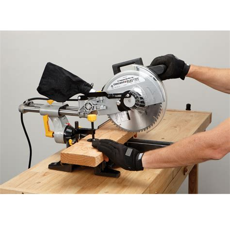 How To Use A Sliding Compound Miter Saw Harbor Freight