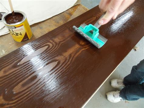 How To Use A Wood Graining Tool With Gel Stain