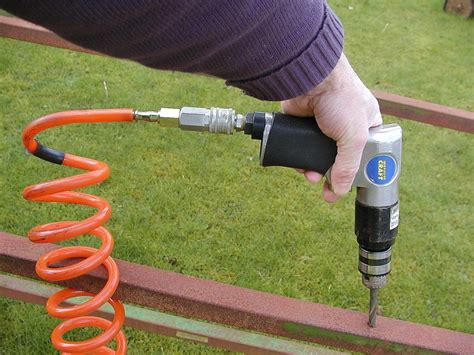 How To Use Air Tools With Air Compressor