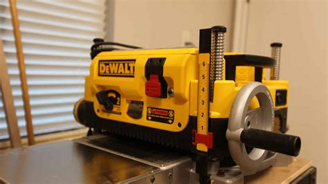 How To Use Dewalt 735x Planer