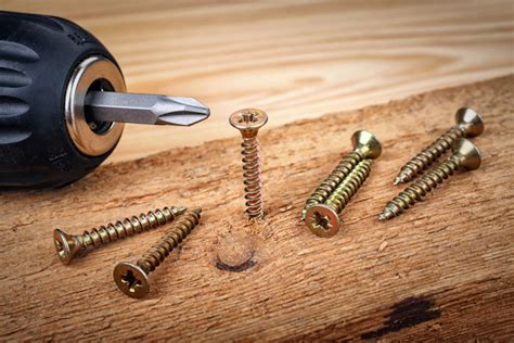 How To Use Wood Screws