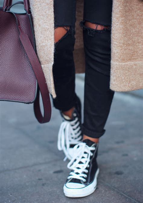How To Wear Converse Sneakers With Skinny Jeans