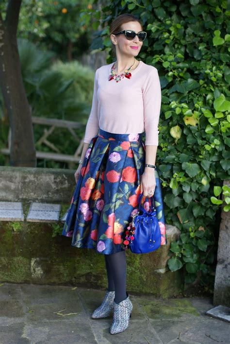 How To Wear Midi Skirt With Gucci Sneakers