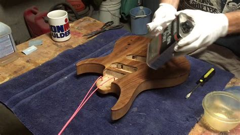 How To Wipe On Polyurethane On A Guitar