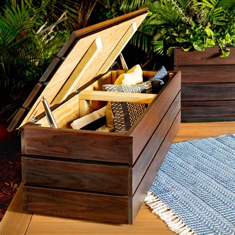 How to build outdoor wooden storage bench Image