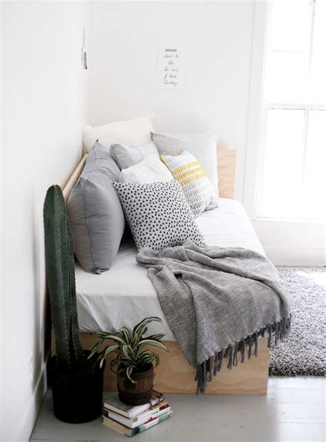 How to make a daybed look good Image