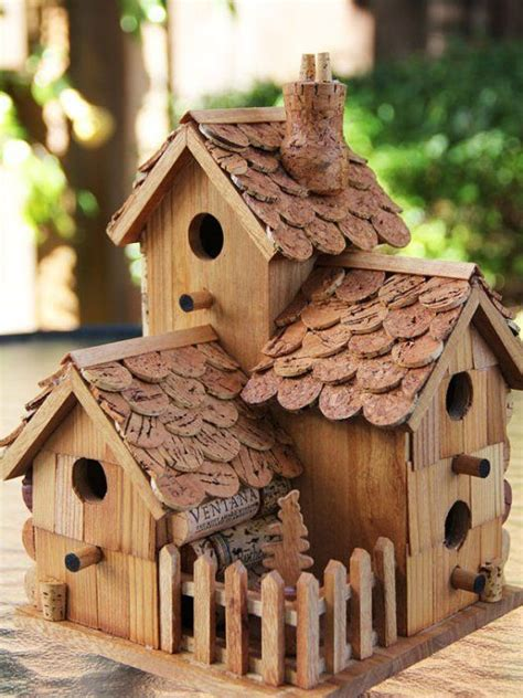 How to make bird houses videos Image