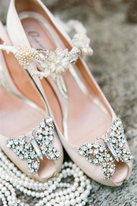 How Do I Choose the Best Vintage Wedding Shoes?