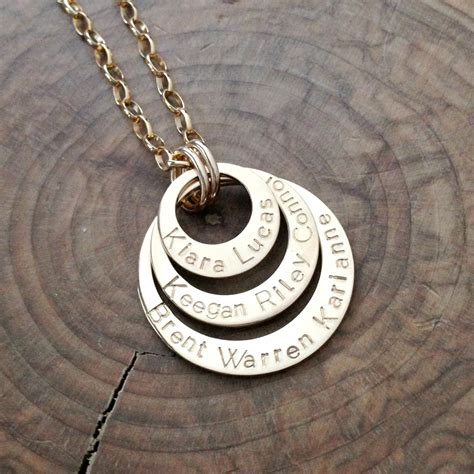 How to Choose My Kids Initial Engraved Name Necklace