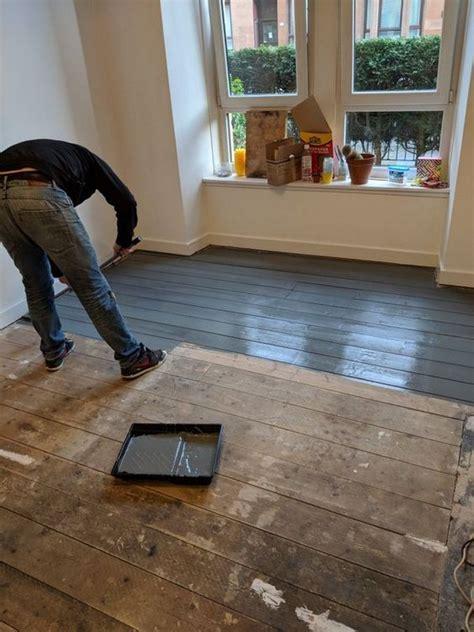 How-To-Diy-Reclaim-Paint-Old-Wood-Floor