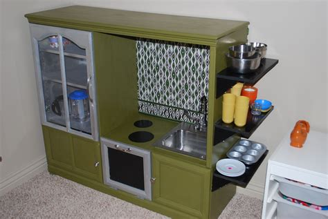 How-To-Make-A-Play-Kitchen-From-An-Entertainment-Center