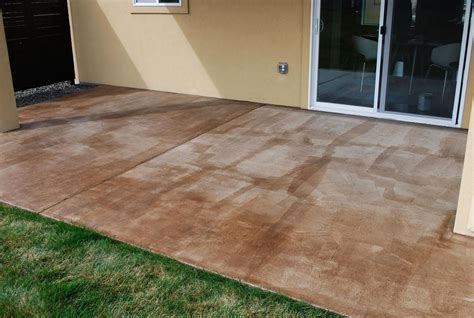 How-To-Stain-Concrete-Patio-Diy