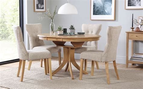 Hudson Round Dining Table And Chairs