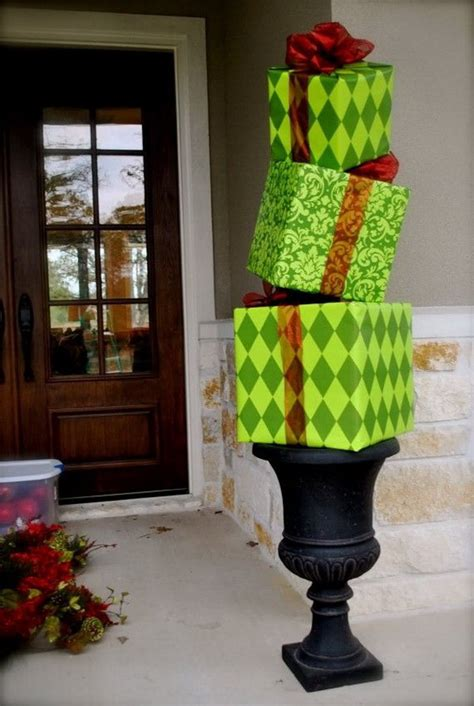 Huge-Gift-Box-Diy-Lawn-Decor