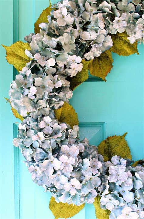 Hydrangea-Wreath-Diy