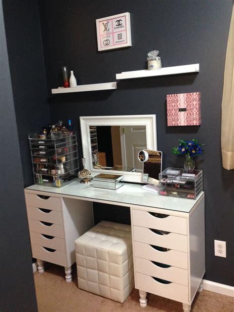 Ikea-Makeup-Desk-Diy
