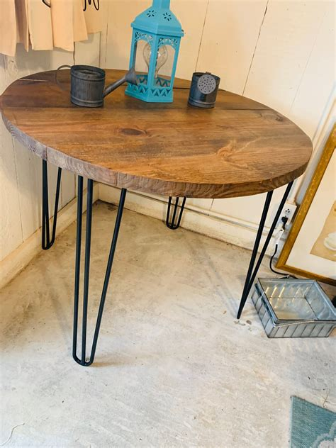 Industrial-Farmhouse-Table-Round