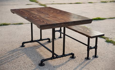 Industrial-Pipe-Farm-Table