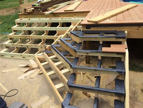 Inside-Corner-Deck-Plans