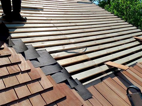 Installing Wood Roof Shingles